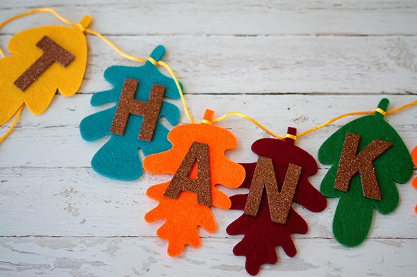 Easy DIY Thanksgiving Banner