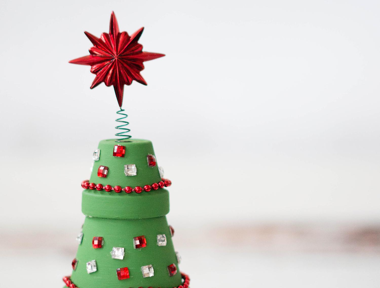 Terracotta Christmas Tree Feature