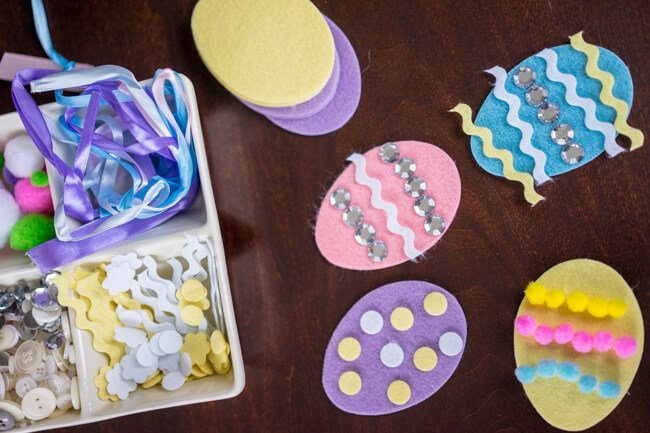 Making the Felt Easter Egg Craft